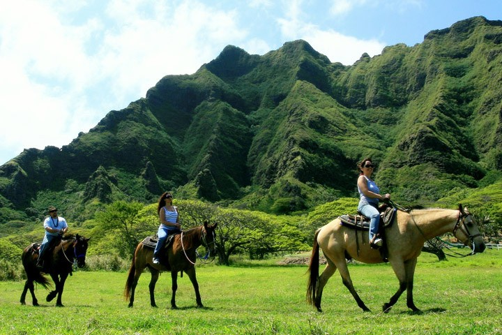 Kualoa-Ranch-04